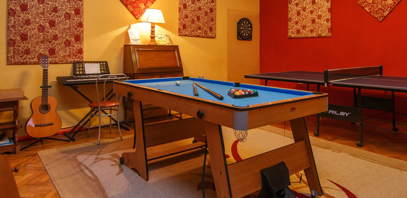 Hostel Cluj billiard